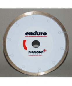 Enduro White Music Slot Blade