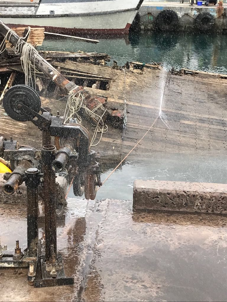 diamond-products-wire-saw-cuts-old-trawlers-before-removal